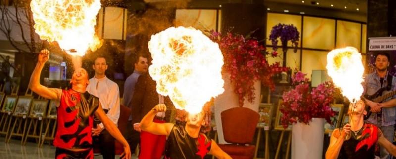 Fachiri Spectacol Foc Fire Show Trupa de Dans si Entertainment The Sky Iasi by Adrian Stefan