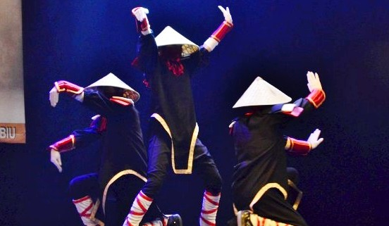 DANS MODERN SHAOLINI Trupa de Dans si Entertainment The Sky Iasi by Adrian Stefan