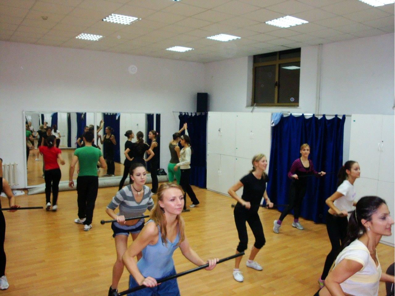 Trupa de Dans si Entertainment The Sky Iasi by Adrian Stefan Cursuri de Dans adulti 85 preselectii dansatori