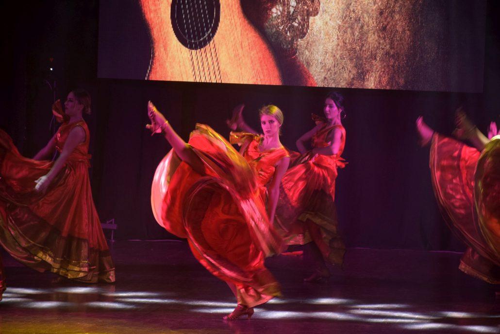 Spaniol Flamenco The Sky 21